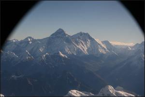 Mount Everest frå flyvindauget